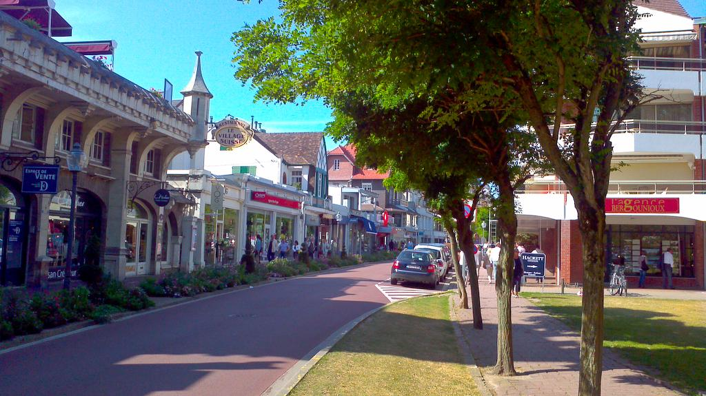 LeTouquet_Shops1